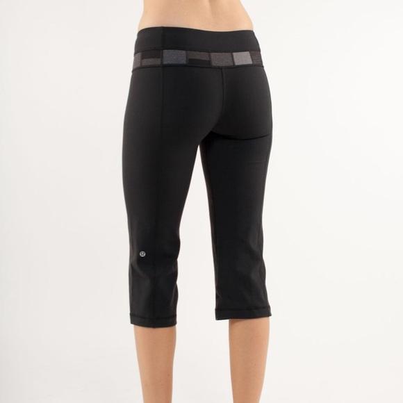 fc026f9b39 lululemon athletica Pants - LULULEMON Groove Crop Black Reversible Leggings  A4
